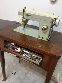 Sewing machine with table  Toronto, M6S 1L5