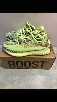 Yeezy semi frozen yellow size 11.5 New Authentic Pearland, 77581