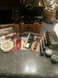 makeup lot*deliveryAVAIL Langley City, V2Y 1W9