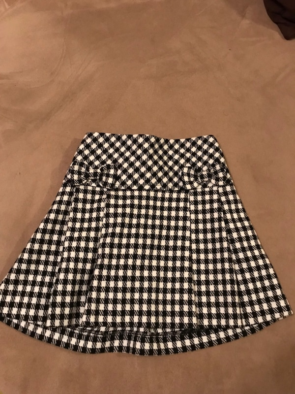 7ce60df3a463 Used Black and white checkered skirt for sale in Chicago - letgo