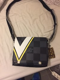 Sacoche louis vuitton