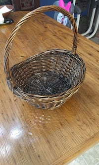 Small Basket Bunker Hill, 25413