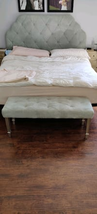King size Headboard and bench - Must Pick Up
