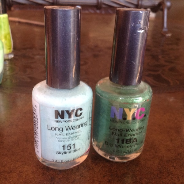 Used green and white NYC nail polish for sale in Santa Maria - letgo
