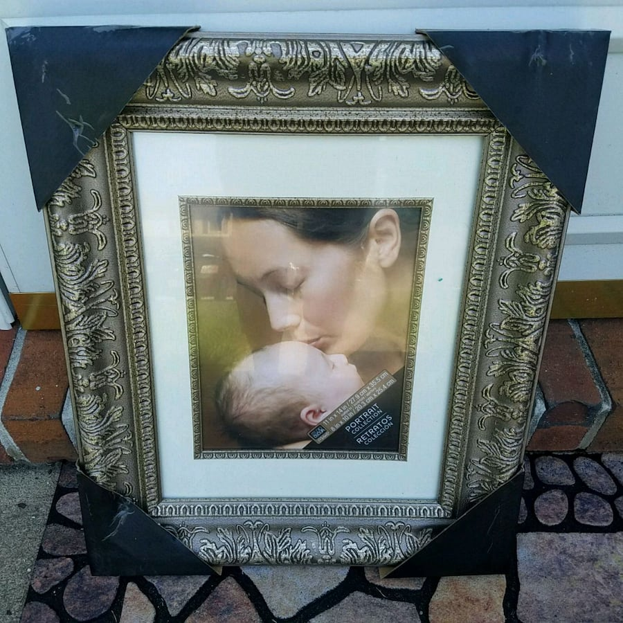 Beautiful brand-new picture frame