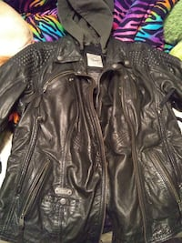 Women's size large very good condition ladies leather jacket .