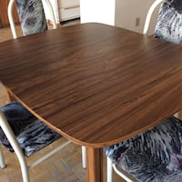 Dining table with 4 strong chairs,great conditions  Toronto, M2R