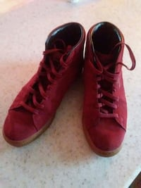 Hightop red puma shoes size 10 Centreville, 20120