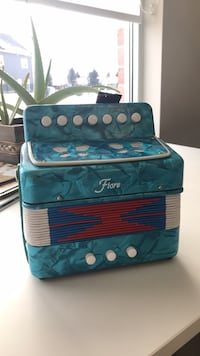 Vintage Fiore Blue Marble Accordion  542 km