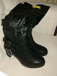*BRAND NEW* boots for sale Elmira, N3B 2Z1