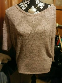 Pink and Grey knitted sweater size medium  Irvington, 36544