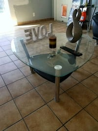 round glass top table with black metal base Hallandale Beach, 33009