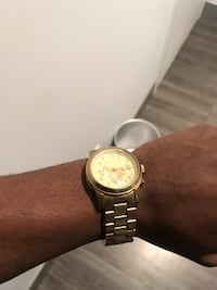 Michael Kors gold watch 551 km