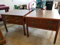 2 end tables  Clear Brook, 22624