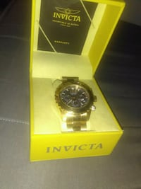 round gold Invicta chronograph watch with link b Corona, 92880
