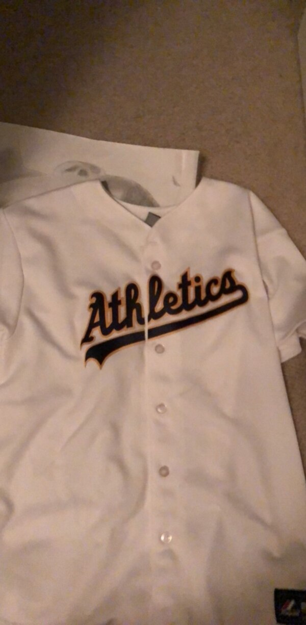 white and black Los Angeles Dodgers jersey