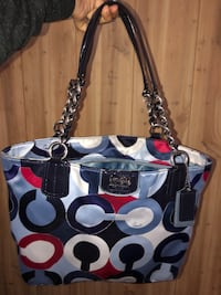 Coach/Nine purses Amarillo, 79109