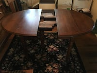 Oak drop leaf and 7 chairs 2 extra leaves  Atwater, 44201