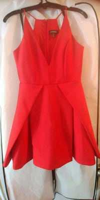 Le Chateau Red Dress 483 km