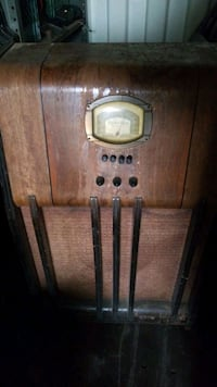 antique floor model radio Guelph, N1E 5V6