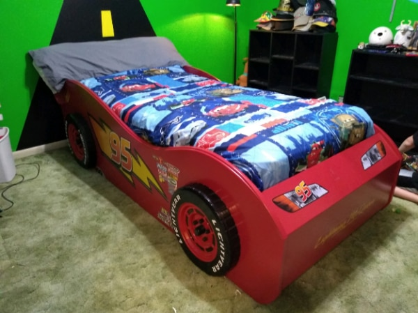 Disney Cars Lightning Mcqueen Red Twin Bed W Trundle