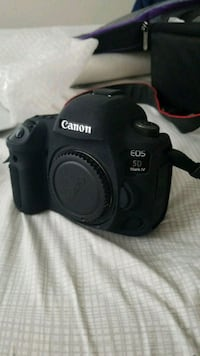 Canon EOS 4D mark 4  DSLR camera Roeland Park, 66205