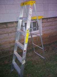 6' step ladder new condition