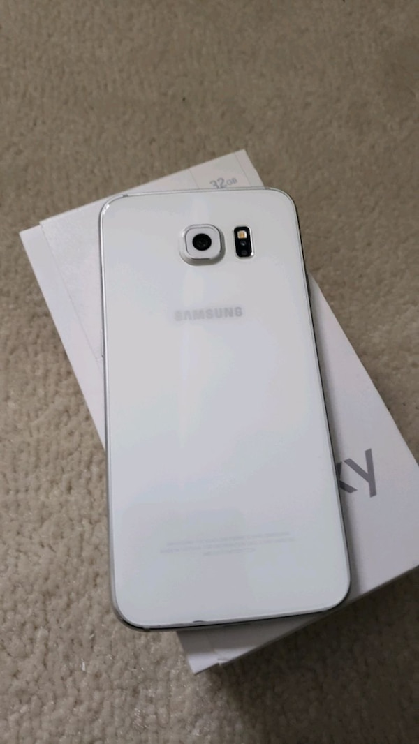 WHITE Samsung Galaxy S6 UNLOCKED with box