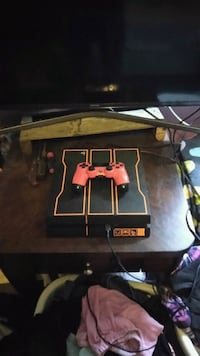 PS4 Whit 9 Games and 4 down loaded on hard drive Tampa, 33610