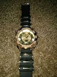 round silver chronograph watch with link bracelet Battle Creek, 49015