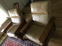 Pair of reclining leather chairs  Lyndhurst, 44124