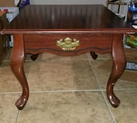 End table mahogany color with queen ann legs Hollywood, 33024
