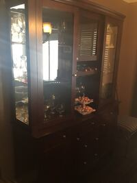 Dining room table, 6 chairs and hutch . Solid wood . Bolton, L7E