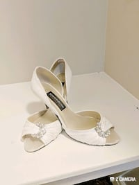 Worn once sandals size 8