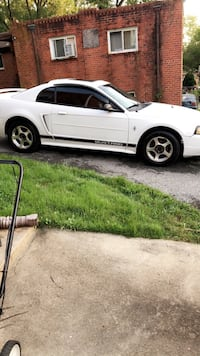 Ford - Mustang - 2002 Oxon Hill, 20745