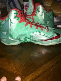 Men's LeBron Size 10 New London, 06320