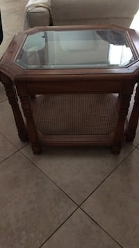 End Table beautiful Solid wood heavy beveled glass top end table Lake Placid, 33852