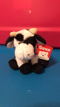NEW... GUND PLUSH COW... makes cow sounds Winchester, 22602