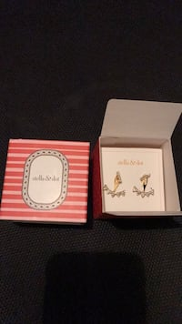 Never worn Stella and dot earrings Vancouver, V6G 1T8