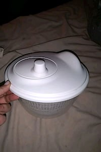 Ikea/White sealable lid inclosure/with removable  London, N6H 1M9