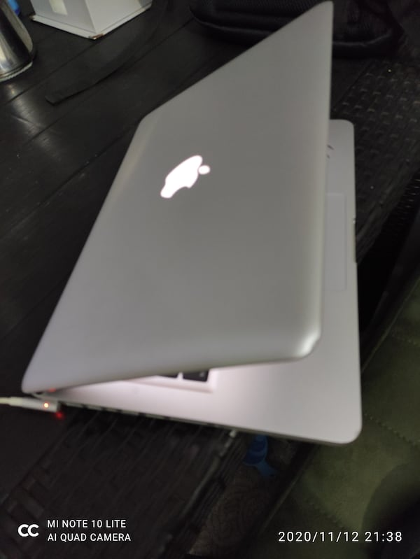 Macbook pro i5 250ssd 500hdd 4