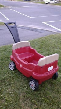 red and white Little Tikes cozy coupe Laval, H7P 4H1