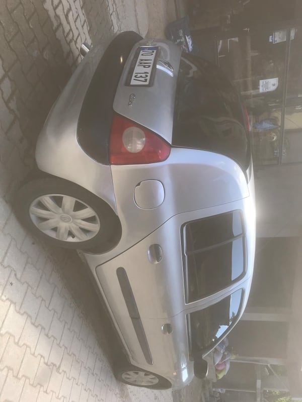 2006 Renault Clio AUTHENTIQUE 1.5 DCI AC 3