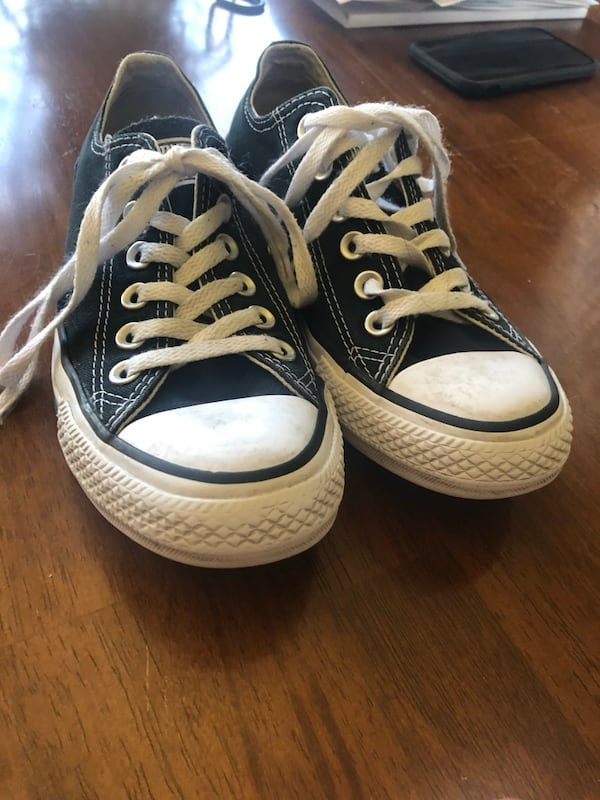 GENTLY USED CONVERSE  120a1911-6796-47b4-b30d-49e43094271d
