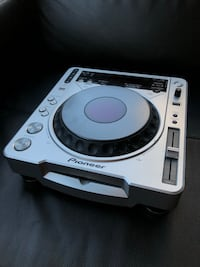 Pioneer DJ turntables and mixer Vancouver, V6C