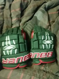 Bauer hockey gloves size 14 Edmonton, T6T 0A7