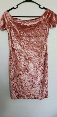 Pink Velvet Dress  Las Vegas, 89113