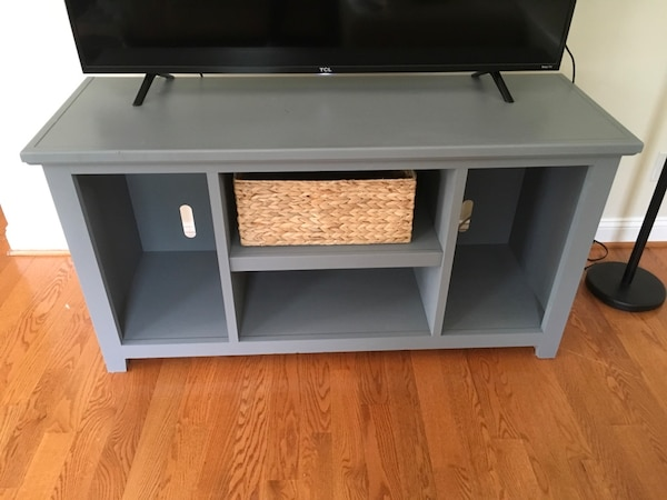 TV Stand or decorative table 4