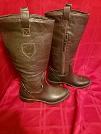 Ladies size 40 UK Upscale Boots