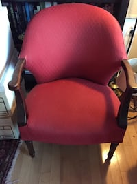 Red chair in perfect condition  Arlington, 22201